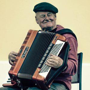 accordion-elderly-man-228842