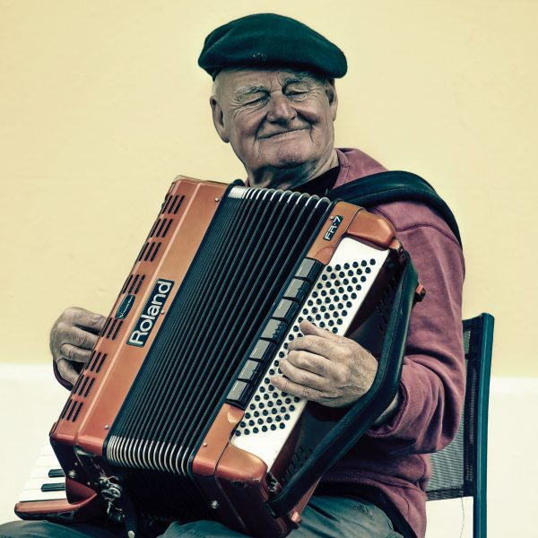 accordion-elderly-man-228842
